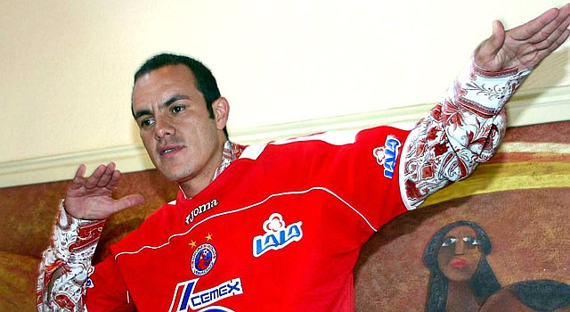 El veterano jugador mexicano Cuauhtémoc Blanco se resiste al retiro.