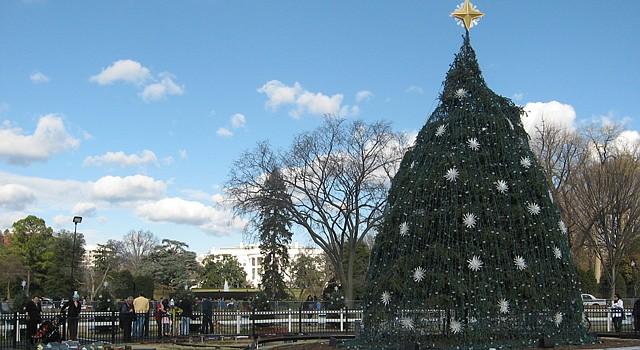 El árbol de Navidad en el elipse enfrente a la Casa Blanca será encendido el jueves 6 por el presidente Barack Obama.