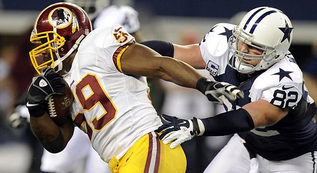 Los Redskins de Washington y los Cowboys de Dallas juegan un partido decisivo en el FedEx Field de Landover, MD.