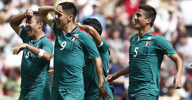 """México enfrenta a Dinamarca con sus """"olímpicos"""""""