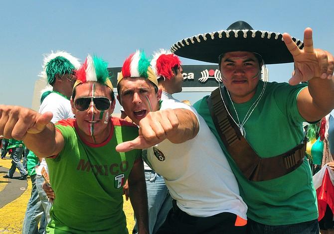 Mexicano intenta hablar en ruso para detener una pelea en el Mundial y video se hace viral