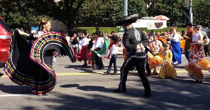 Fiesta DC llena de sabor latino la avenida Constitution