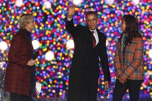 Obama enciende el árbol de Navidad nacional