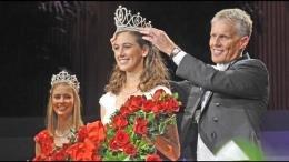 La reina del Desfile de las Rosas es hispana