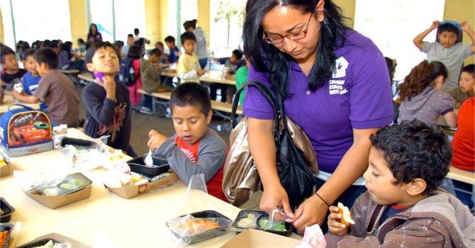 Se mantiene brecha de estudiantes latinos con respecto a blancos no hispanos