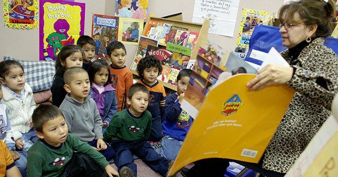 Diferentes grados de aprendizaje en menores mexicoamericanos de hogares de bajos recursos y padres con poca educación, según estudio