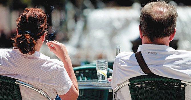 Epoc y mujer fumadora, una mala relación