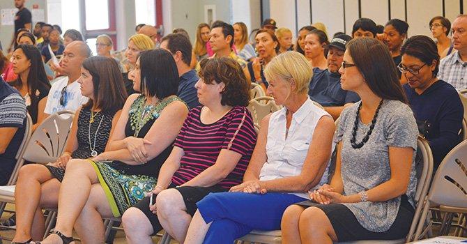 Inmersión Dual al Idioma tiene gran ventaja, sostienen en reunión con Maestros y Padres de Familia