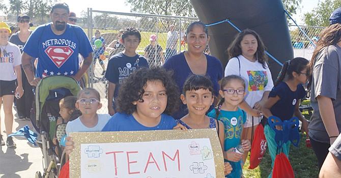 Cientos de familias participan en caminata Autism Speaks