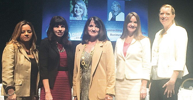 Al poder de los negocios; acceden mujeres, se destaca en Conferencia realizada en Escondido