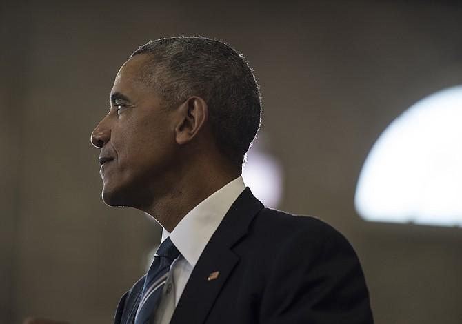 """Obama recuerda cuán """"pretencioso"""" era cuando estaba en la universidad"""