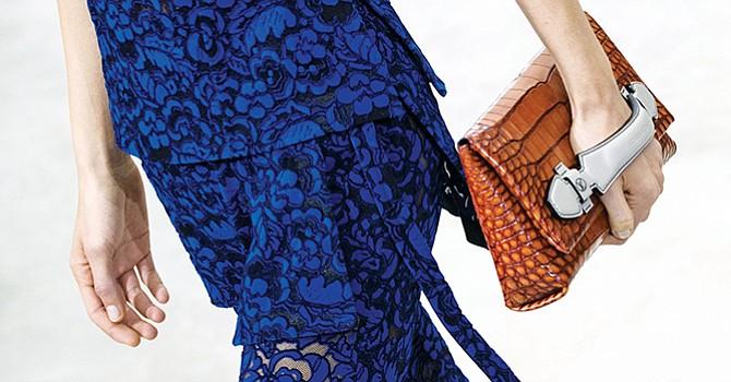 PETA denuncia muerte violenta de cocodrilos para hacer bolsos Louis Vuitton