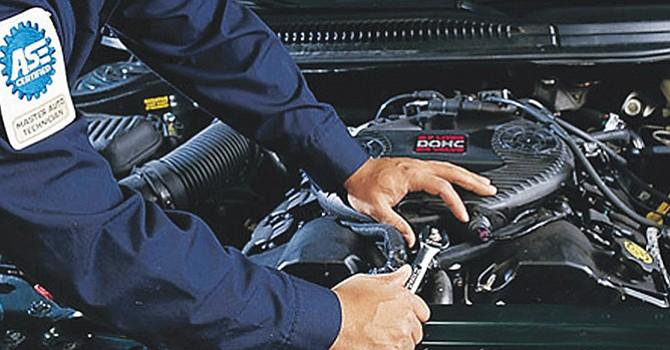 Haga seis preguntas sencillas para escoger el taller de reparación de autos correcto