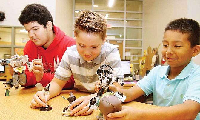 El Sistema de Bibliotecas del Condado de Brazoria presenta un evento al estilo Comic-Con para que los niños se enganchen en los libros