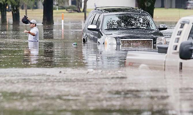 Después de sufrir una nueva tormenta, Houston se preguntan por qué es que surge este tipo de caos en la ciudad