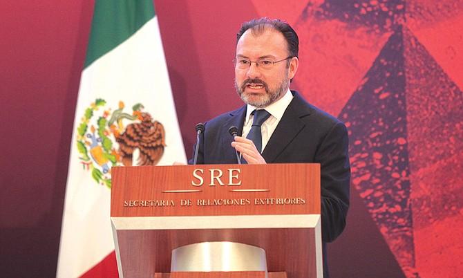 El Gobierno de México no descarta demandar a Donald Trump ante la ONU por lo del muro