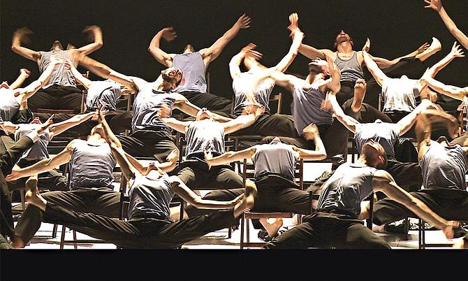El coreógrafo israelí Ohad Naharin nos muestra su historia en Mr. Gaga, posiblemente el documental más emocionante para los aficionados de la danza moderna