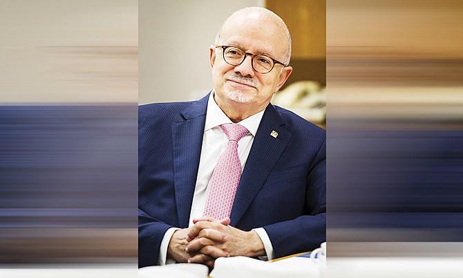 El rector del Miami Dade College (MDC), Eduardo J. Padrón, ha sido distinguido con el premio a la Enseñanza Universitaria que otorga la NASPA