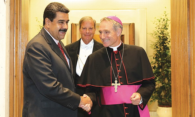 El presidente de Venezuela, Nicolás Maduro, dijo que gestiona una reunión entre representantes del gobierno y la oposición con el papa Francisco