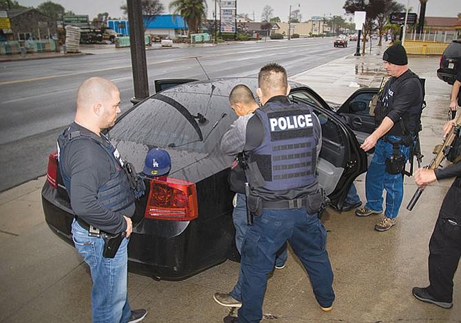 Operativos del ICE  golpearon a la economía local