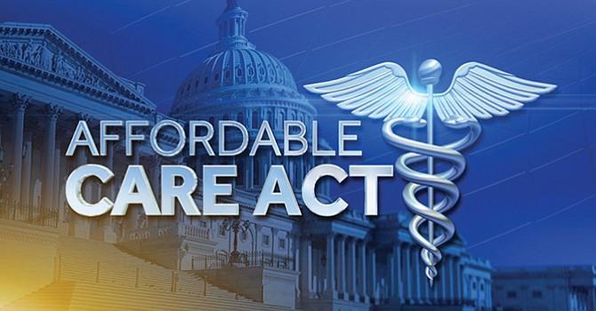 A derogar 'Obamacare' llama el presidente Donald Trump al Congreso de Estados Unidos