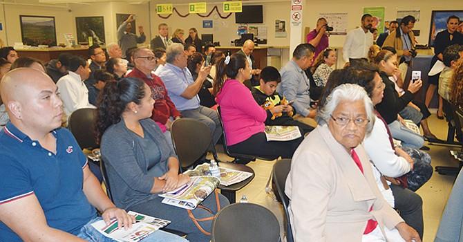 Divide a hispanos el nuevo gobierno federal, revela encuesta de Pew  Research Center; les  preocupa el rumbo del país