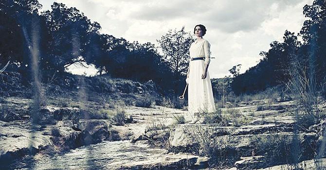 La actriz Paola Nuñez debuta en Hollywood, se une a la serie de televisión The Son