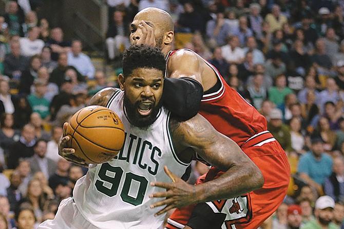 Son 16 equipos los que luchan por el anillo de la NBA
