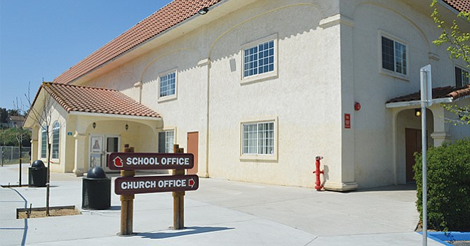 Evalúan información proporcionada por directivos de Beacon Academy Charter, responden miembros del Distrito Escolar