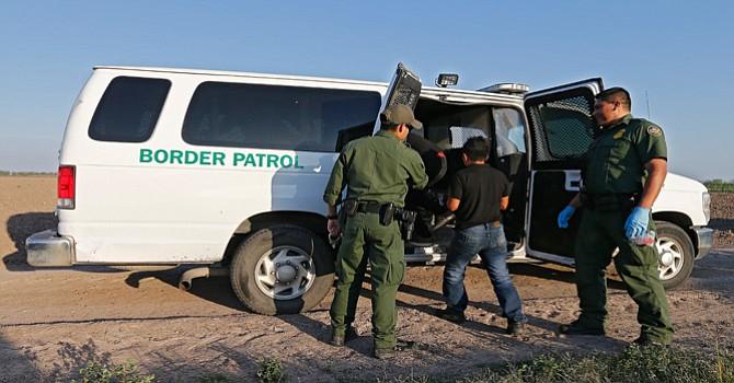 Consulados hispanos alaban la labor  Humanitaria de la Patrulla Fronteriza