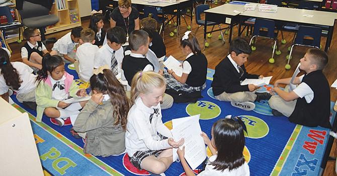 Las ponen 'en jaque' el futuro de escuelas charters en California, en manos de legisladores y distritos escolares