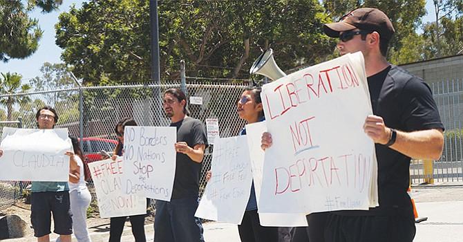 Acusan a 'Dreamer'; la patrulla fronteriza fue hasta Los Ángeles a traer a una joven indocumentada