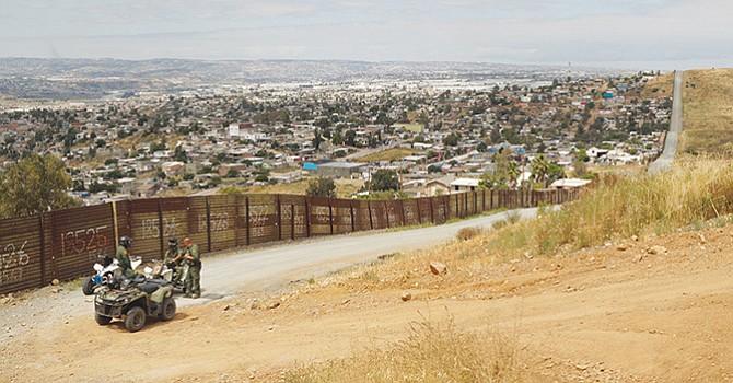 Planean iniciar la construcción del muro en San Diego, el próximo año