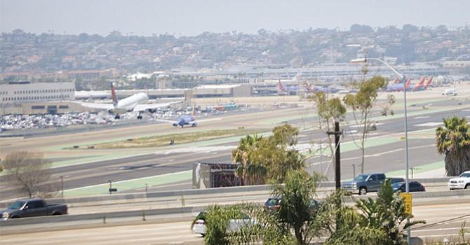 Importante contribución a la economía local y regional genera el Aeropuerto de SD, pese a sus limitaciones de crecimiento espacial