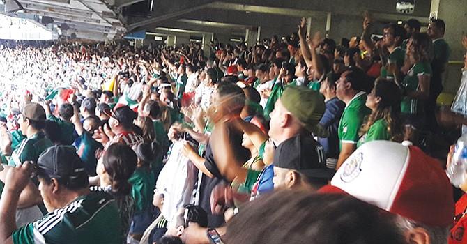 ¡A cumplir castigo! desde la tribuna, Osorio vio ganar en Estadio Qualcomm a selección alternativa