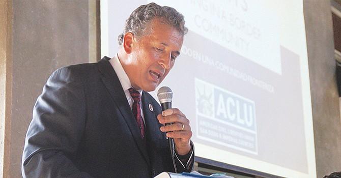 Juan Vargas habla abiertamente de los temores por deportaciones en San Diego