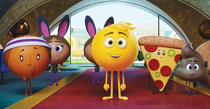 """The Emoji Movie """"Una rica historia con un mensaje profundo""""; entrevista con el diseñador de producción Carlos Zaragoza"""