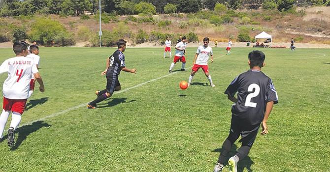 ¡Partidazo! el que jugaron en tiempos extras San Diego Real Madrid y Aztecs Campos