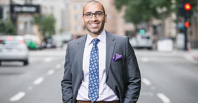 Orgulloso de representar a los Latinos en Corte, Chris Mova,  el Abogado de Lesiones Personales en SD