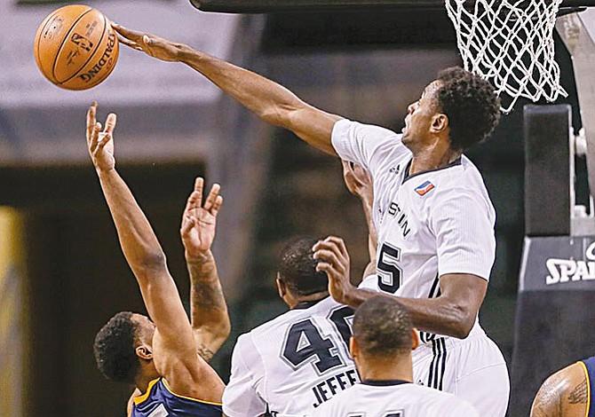 Los Austin Spurs buscan nuevos jugadores