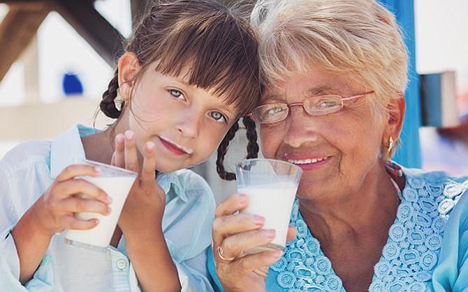 La leche es importante en la alimentacion del adulto mayor