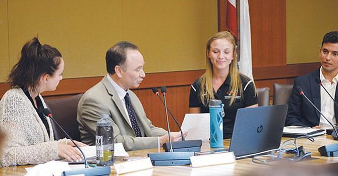 Buscan Presidente para San Diego State University, SDSU; sucederá en el cargo a Elliot Hirshman