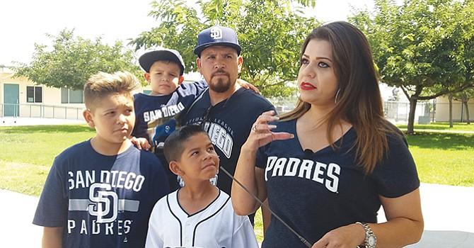 Tras años de sufrimiento, niño recibe grata sorpresa, lanzó la primera bola del partido de los Padres de San Diego contra los Gigantes de San Francisco