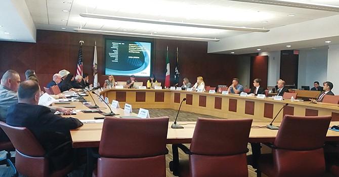 National City pide recursos para combatir la hepatitis A, la ciudad está limitada económicamente y solicita apoyo del condado