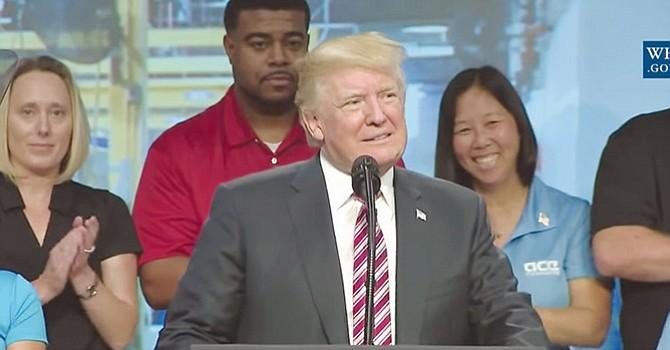 """""""Alivio Fiscal"""" anuncia el Presidente Donald Trump"""