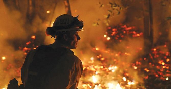 A estar alerta, llaman a la población del sur de California, tras los voraces incendios ocurridos en el norte del estado