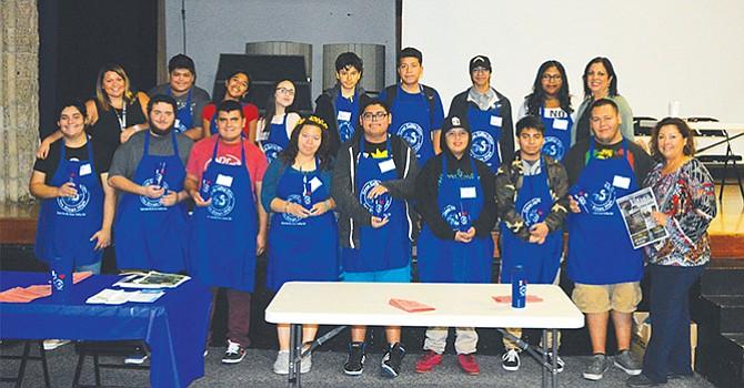 Preparan y sirven el Café, estudiantes de Educación Especial de SDHS participan en programa único en su tipo