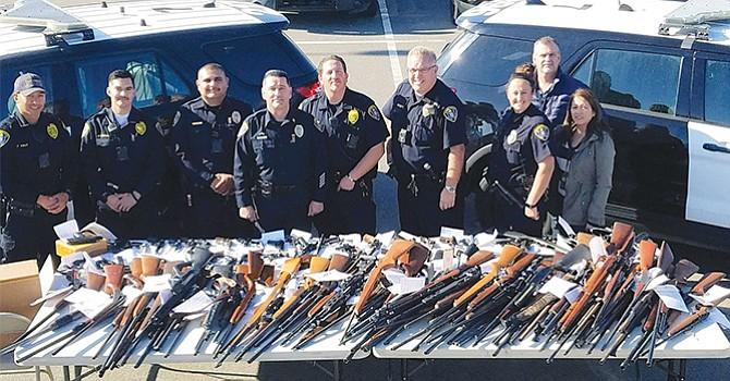 Intercambiaron más de 160 armas de fuego por certificados de regalo