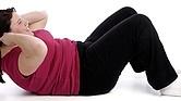 ROLLITOS. Es en esta zona que el cuerpo que tiende a acumular más grasa como consecuencia de una mala alimentación y el estilo de vida sedentario. Dieta y ejercicios los eliminan.