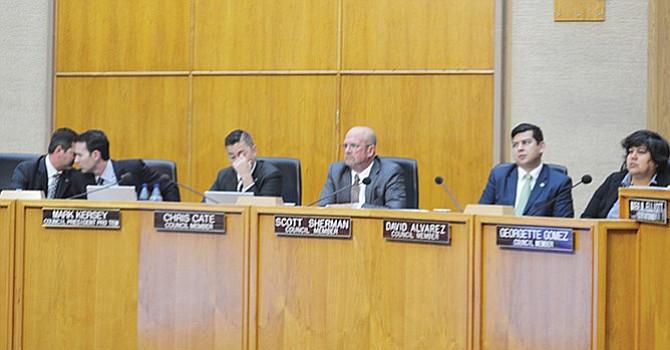 Diferencias partidistas prevalecen en el Concilio  de San Diego; varios regidores piden cambio en criterio sobre la forma en que son designados
